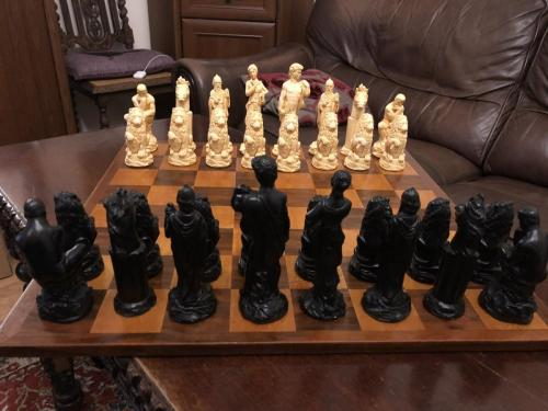ancient-greeks-chess-set (1)