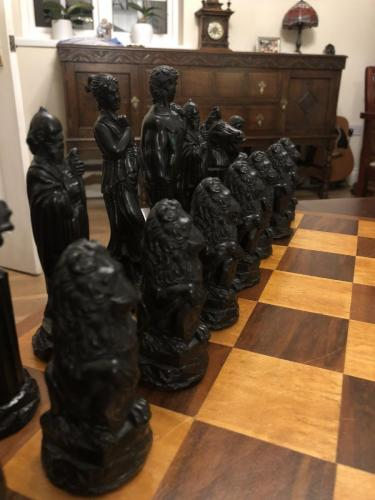 ancient-greeks-chess-set (10)