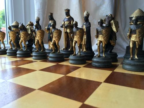 anri-silver-and-gold-chess-set (1)