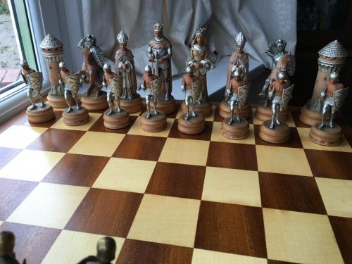 anri-silver-and-gold-chess-set (15)