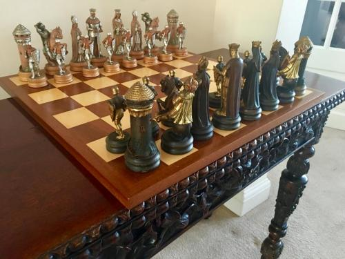 anri-silver-and-gold-chess-set (23)