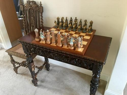 anri-silver-and-gold-chess-set (24)