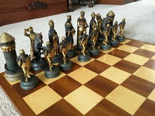 anri-silver-and-gold-chess-set (29)