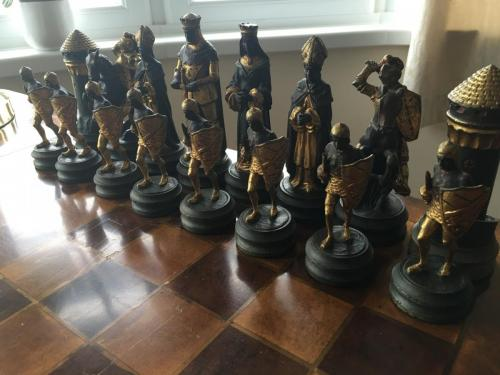 anri-silver-and-gold-chess-set (35)