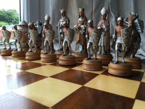 anri-silver-and-gold-chess-set (36)
