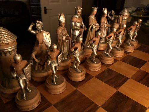 anri-silver-and-gold-chess-set (37)