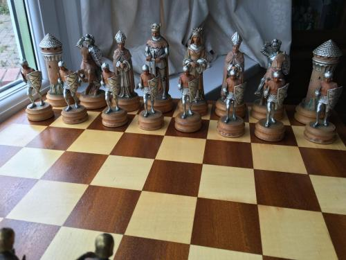 anri-silver-and-gold-chess-set (38)