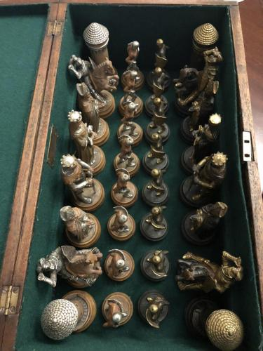 anri-silver-and-gold-chess-set (4)