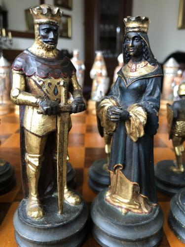 anri-silver-and-gold-chess-set (43)