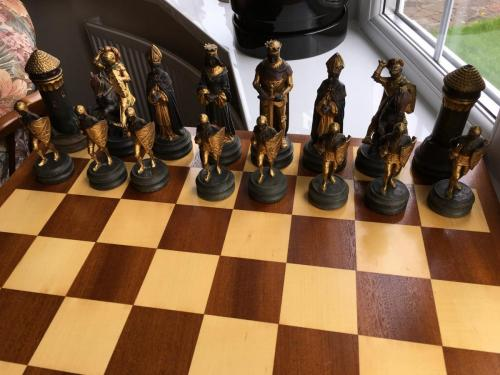 anri-silver-and-gold-chess-set (45)