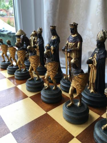 anri-silver-and-gold-chess-set (46)