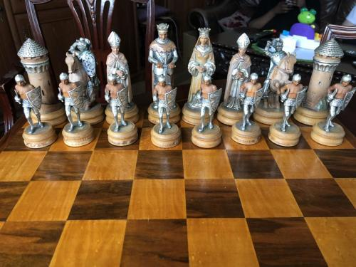 anri-silver-and-gold-chess-set (47)