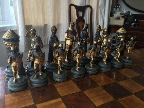 anri-silver-and-gold-chess-set (49)