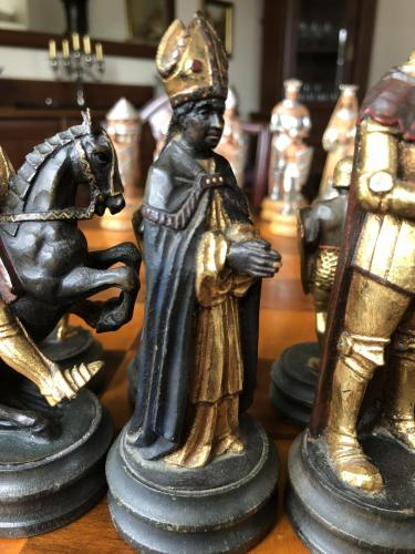 anri-silver-and-gold-chess-set (5)