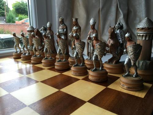 anri-silver-and-gold-chess-set (51)