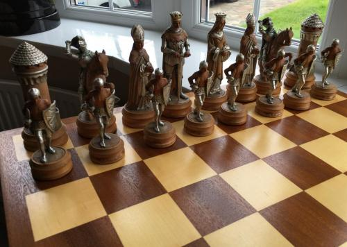 anri-silver-and-gold-chess-set (52)