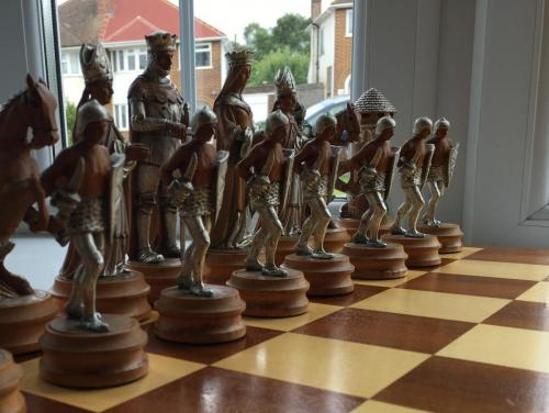 anri-silver-and-gold-chess-set (54)