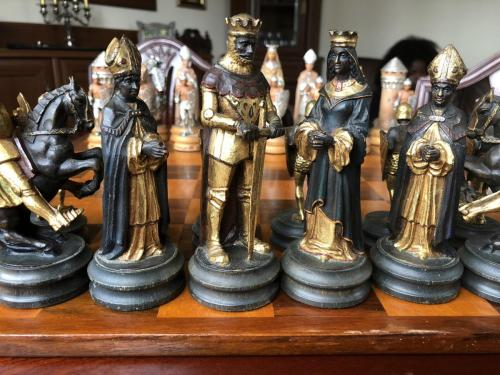 anri-silver-and-gold-chess-set (58)