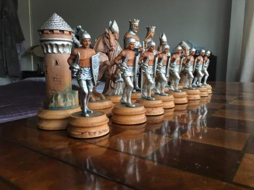 anri-silver-and-gold-chess-set (62)