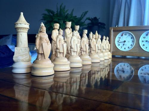 anri-styled-wooden-chess-set (2)