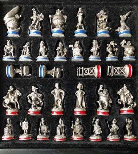 asterix-and-obelix-chess-set (13)