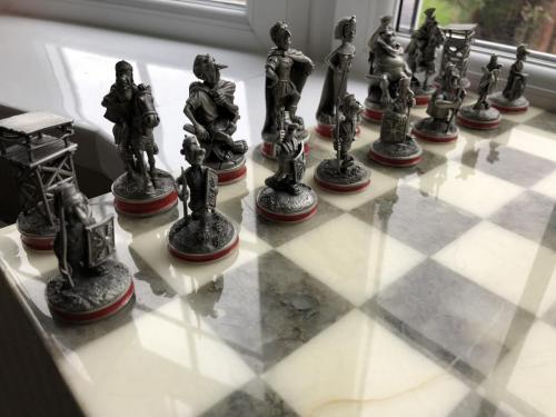 asterix-and-obelix-chess-set (2)