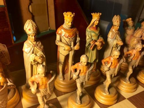 classical-anri-chess-set (39)