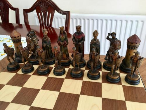 classical-anri-chess-set (46)