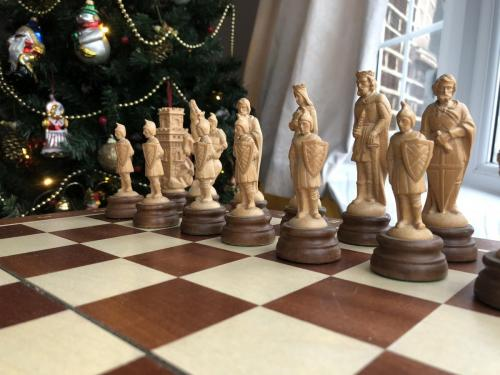 medieval-wooden-army-chess-set (1)