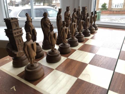 medieval-wooden-army-chess-set (11)