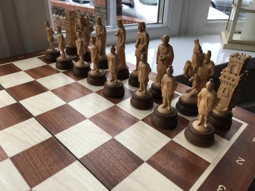 medieval-wooden-army-chess-set (7)