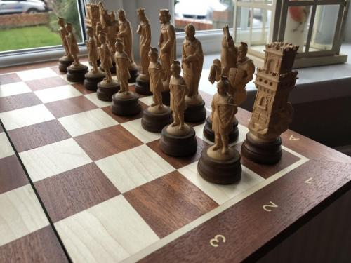 medieval-wooden-army-chess-set (9)