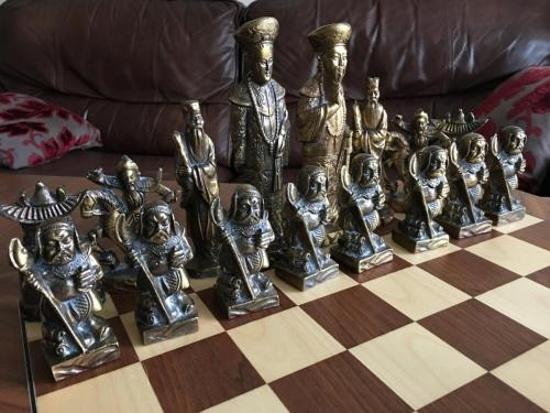 metal-chinese-emperor-chess-set (18)