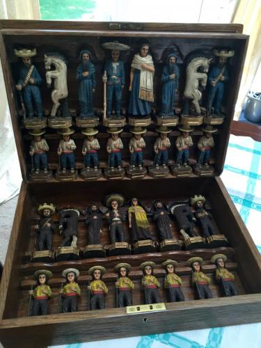 mexican-army-chess-set (11)