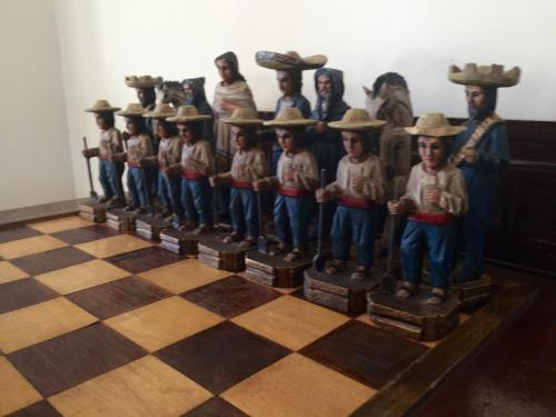 mexican-army-chess-set (13)