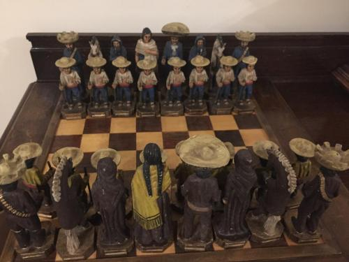 mexican-army-chess-set (18)