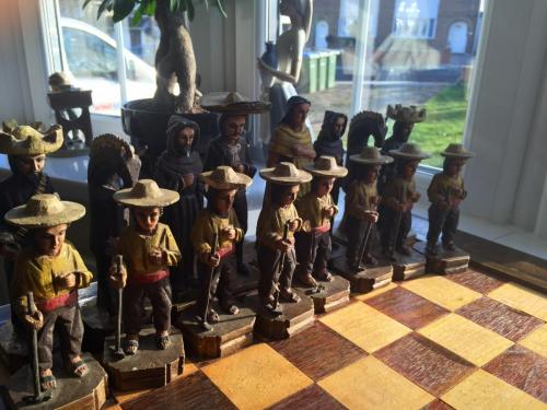 mexican-army-chess-set (20)