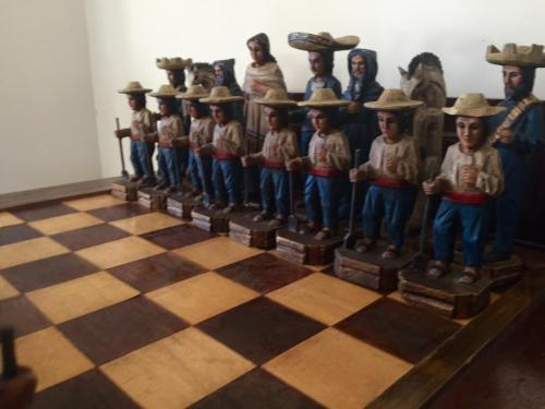 mexican-army-chess-set (22)
