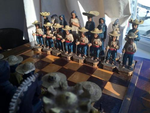 mexican-army-chess-set (28)