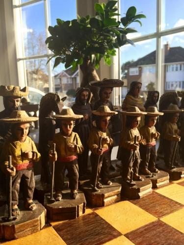 mexican-army-chess-set (29)