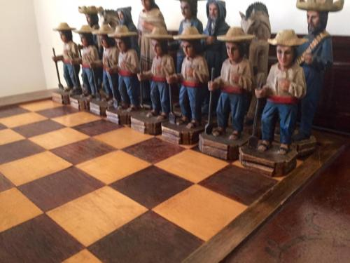 mexican-army-chess-set (32)