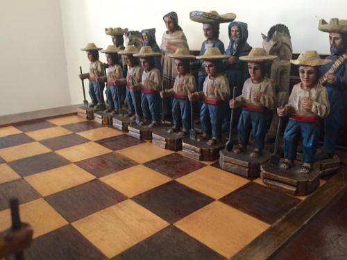 mexican-army-chess-set (38)