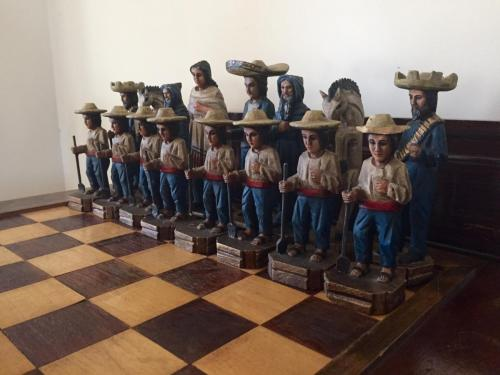 mexican-army-chess-set (42)