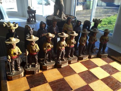 mexican-army-chess-set (6)