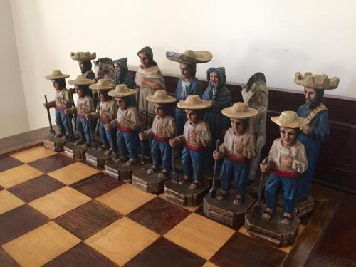 mexican-army-chess-set (8)