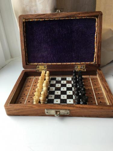 small-antique-travel-chess-set (16)