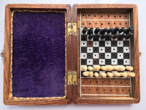 small-antique-travel-chess-set (2)