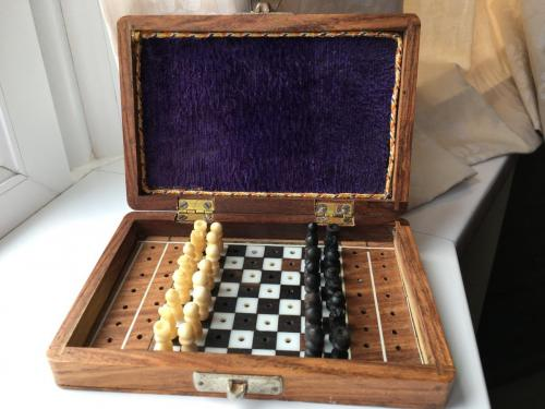 small-antique-travel-chess-set (6)
